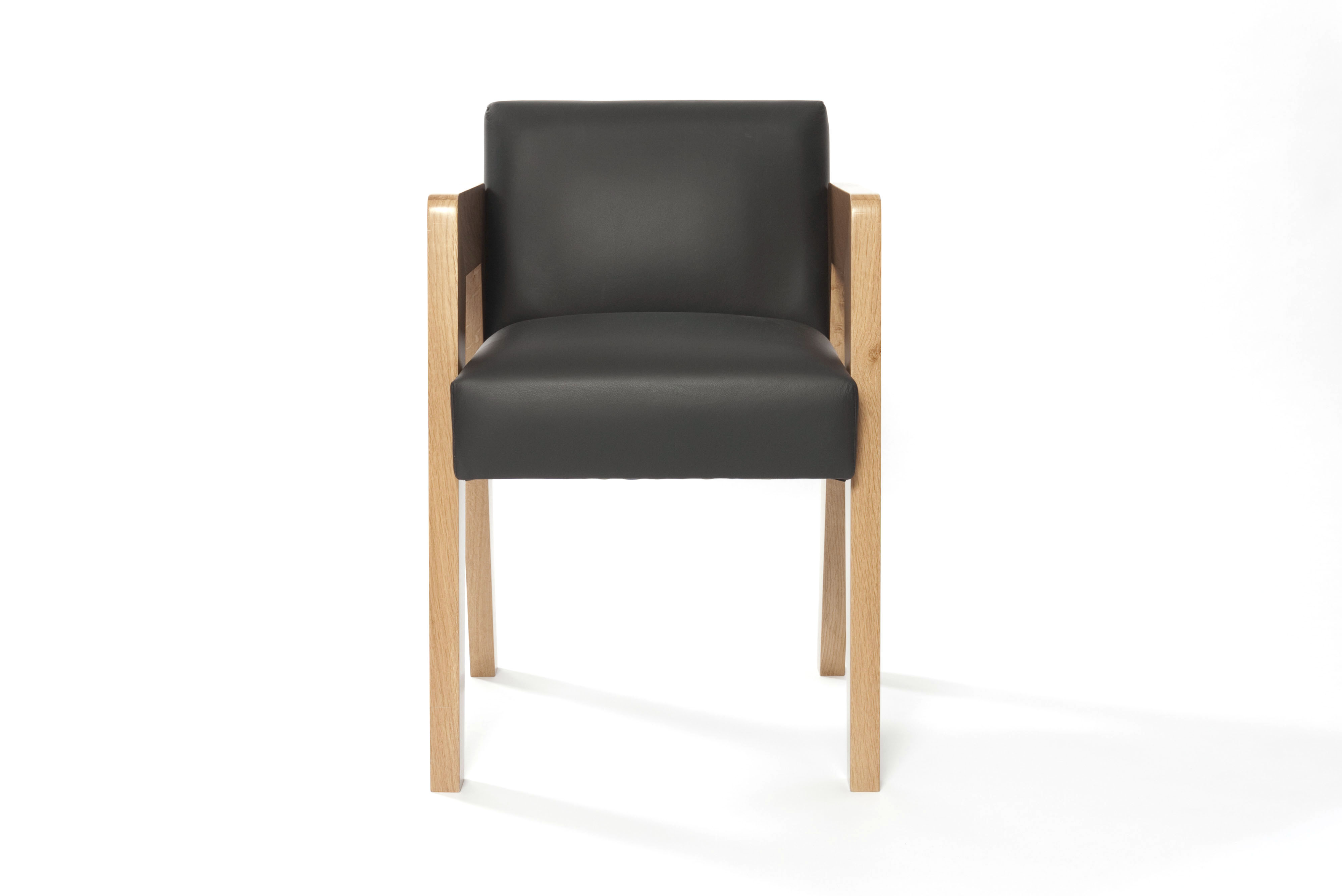 Modern dining chair gaspard black les trois gar ons for Modern black dining chairs
