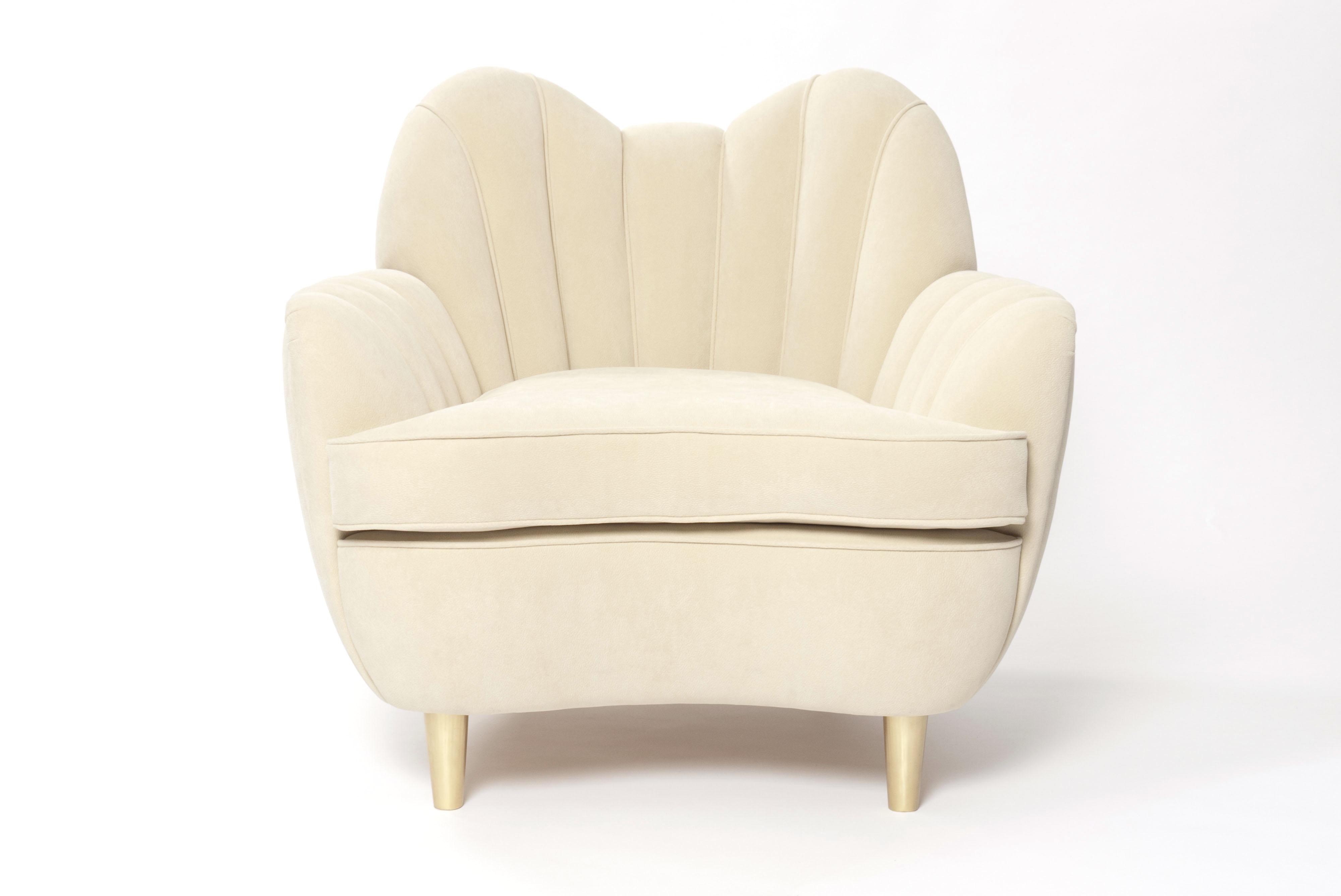 Modern armchair oscar les trois gar ons for Designer armchairs